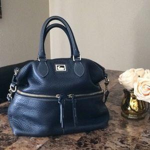Dooney & Bourke Shoulder Handbag
